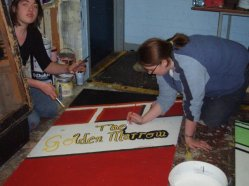 Gondoliers - behind the scenes - painting the flats at get in